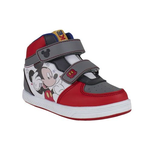 Sneakers v. Mickey Maus