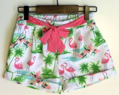 Kurze Shorts im Flamingo-Design